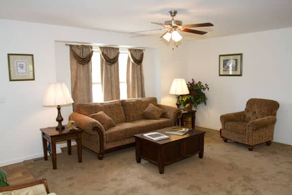 Pennwest Magnifique Living Room Greensburg