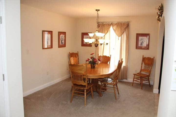 Pleasant Valley Cape Henery Dining Room Vandergrift