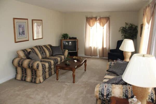 Pleasant Valley Cape Henery Living Room Vandergrift