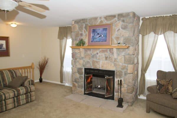 Pleasant Valley Worcester Living Room Butler