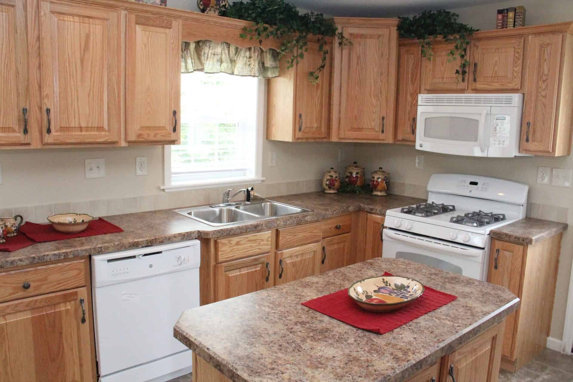 Pleasant Valley Cape Chadsford Kitchen2 Greensburg