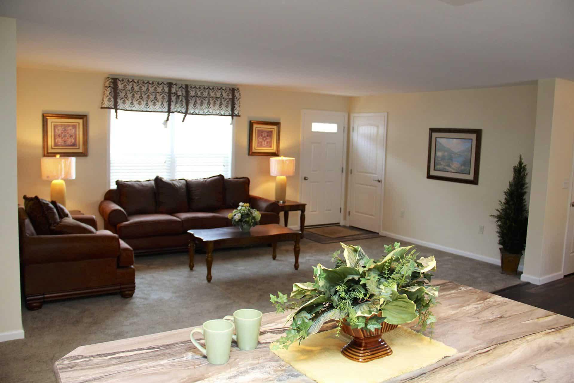 Pleasant Valley Edgewood C Living Room Vandergrift
