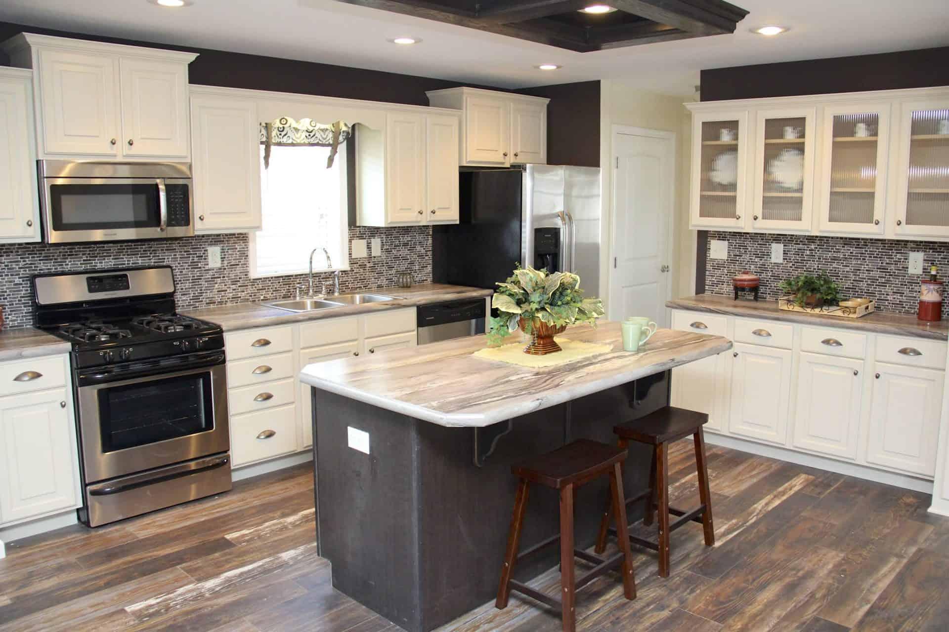 Pleasant Valley Edgewood C Kitchen2 Vandergrift