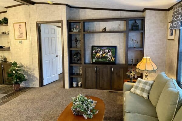 Commodore 3A2024P Living Room Greensburg